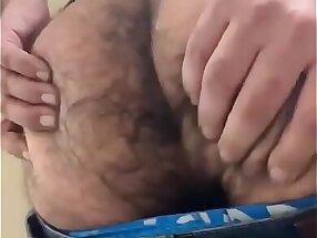 Cu peludo de macho